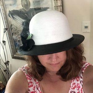 Vintage Liz Claiborne Derby Hat w/Black Flower